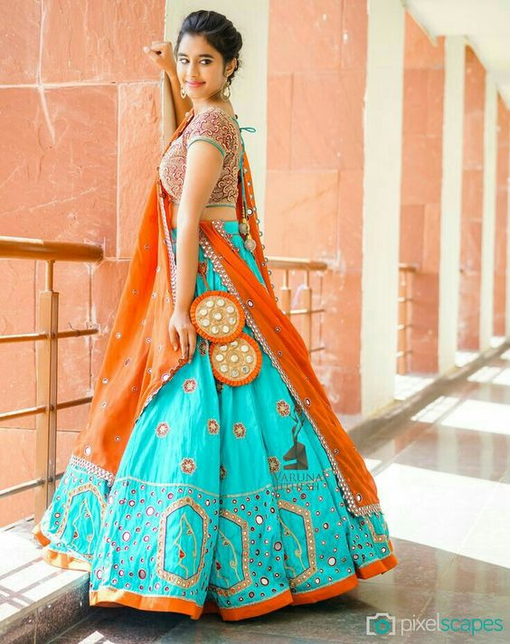 indian wedding dresses designer photo - 1