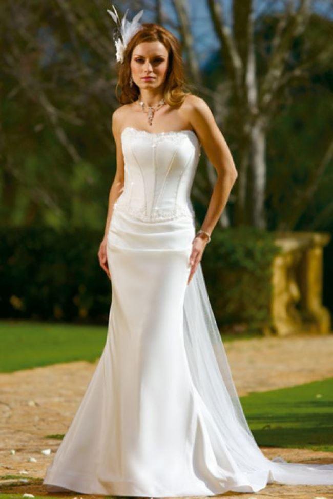 informal wedding dresses for older brides photo - 1