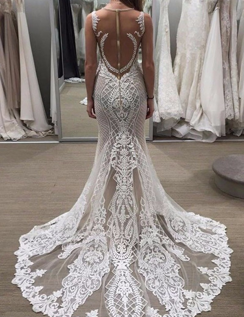 lace wedding dresses with trains photo - 1