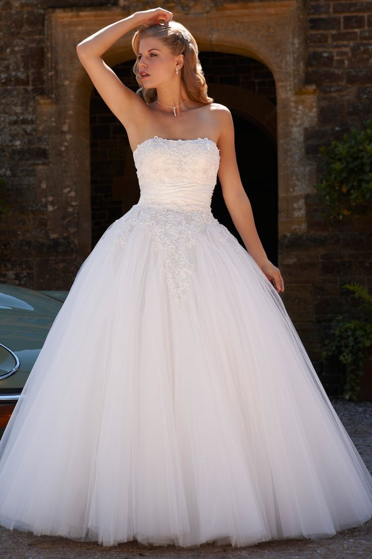 pictures of wedding dresses photo - 1
