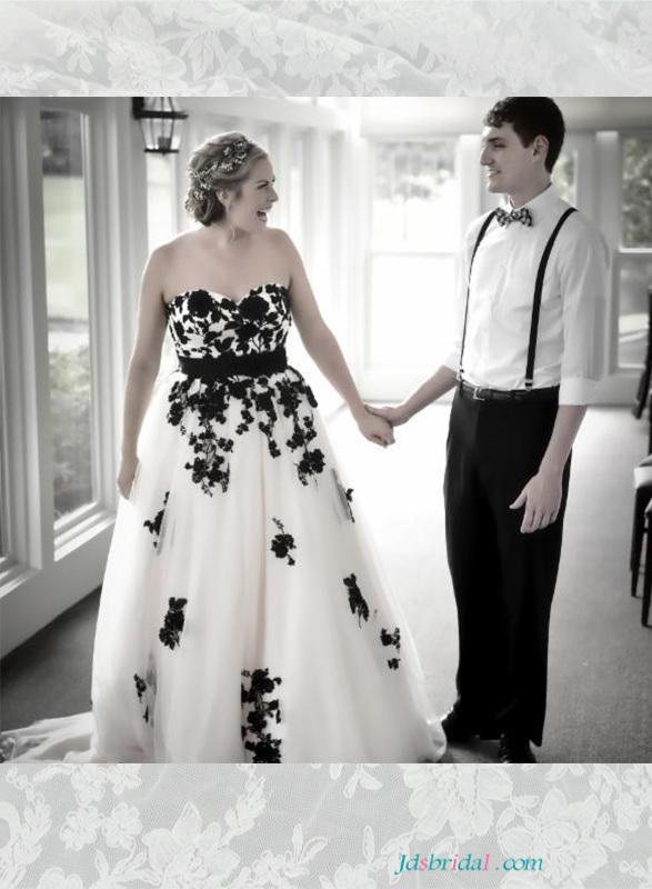plus size black and white wedding dresses photo - 1