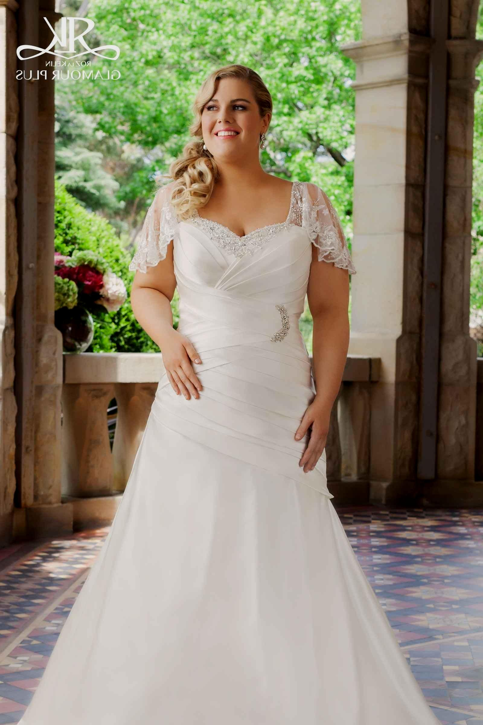 plus size lace wedding dresses with sleeves photo - 1