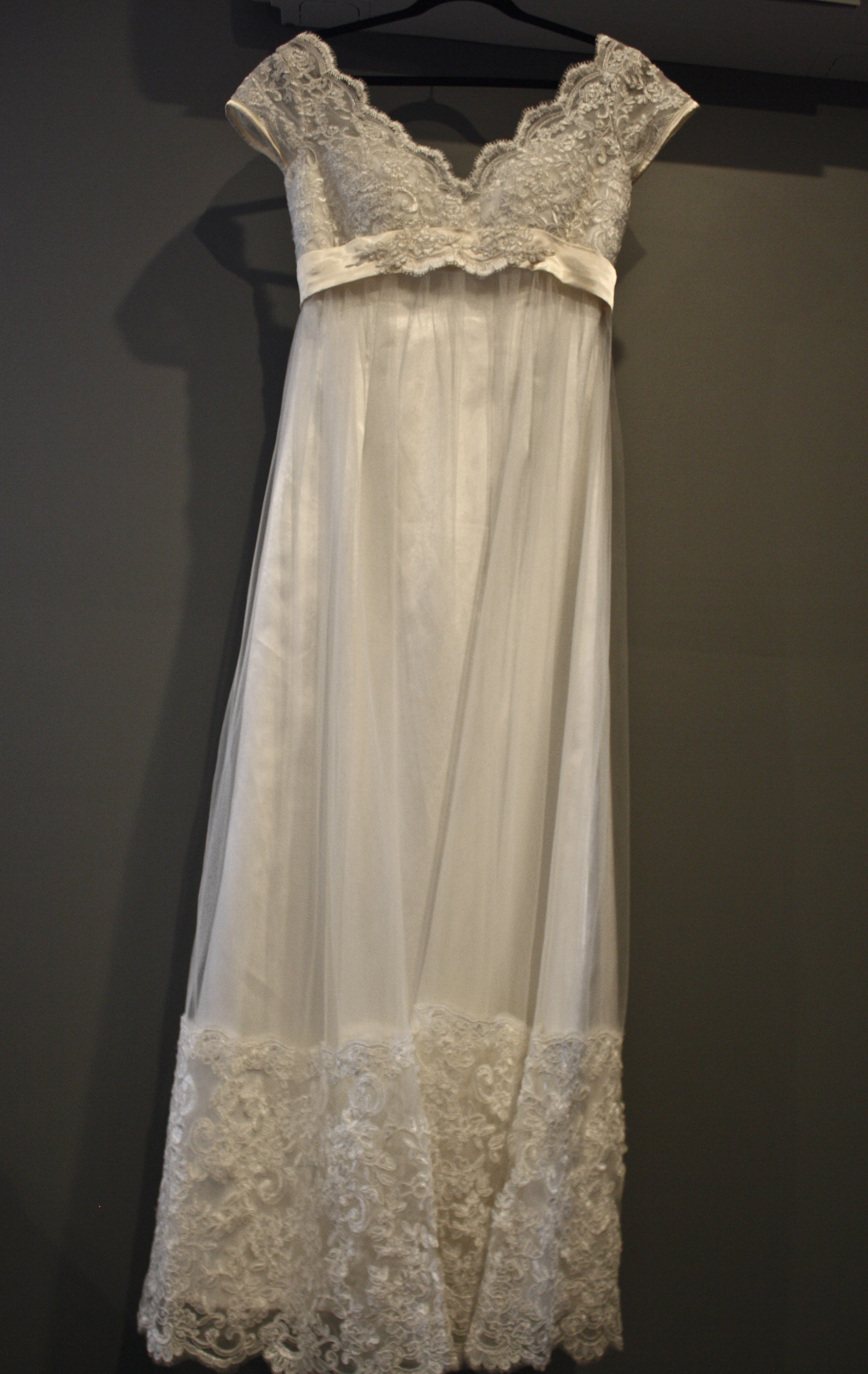 queen anne wedding dresses photo - 1