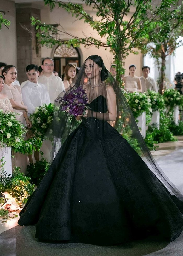 silver and black wedding dresses photo - 1