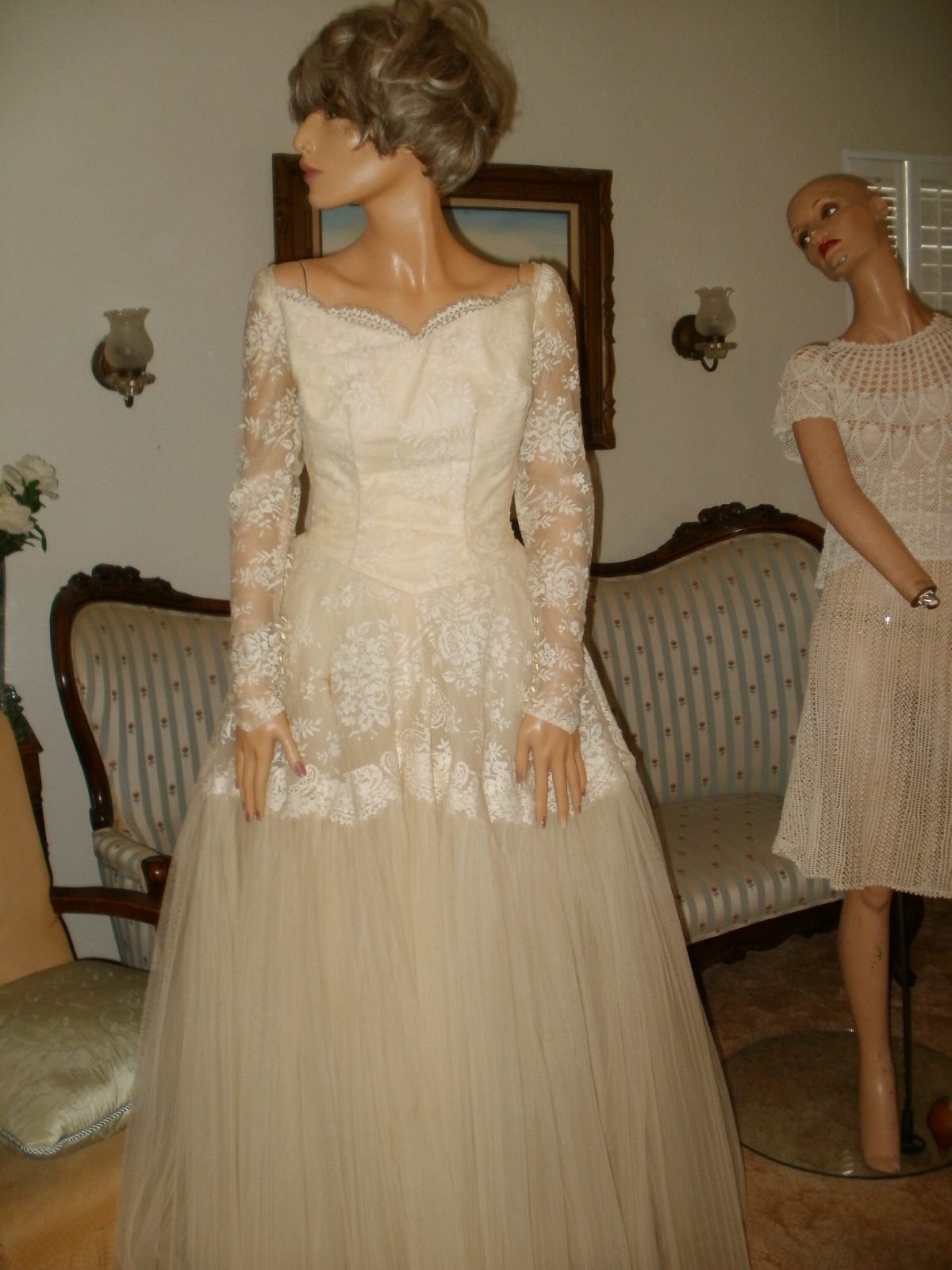 thrift shop wedding dresses photo - 1