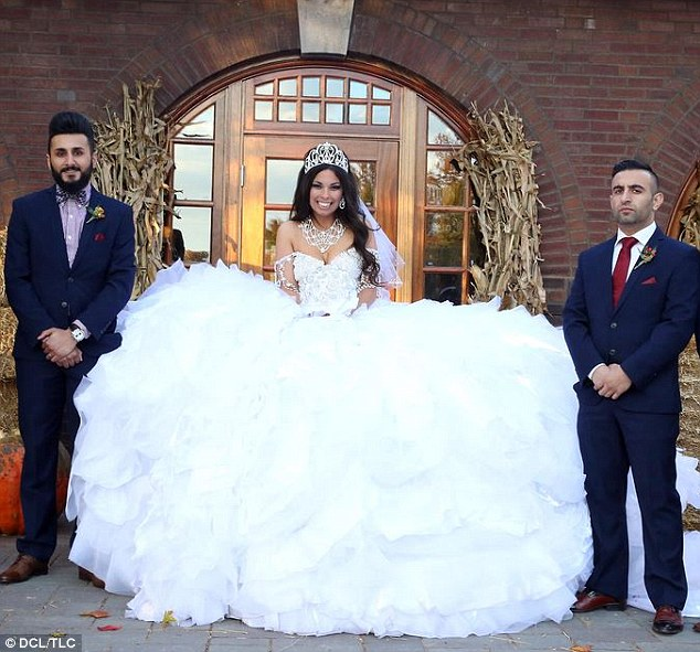 traveller wedding dresses photo - 1
