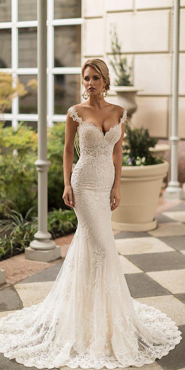 wedding dresses lace up back photo - 1