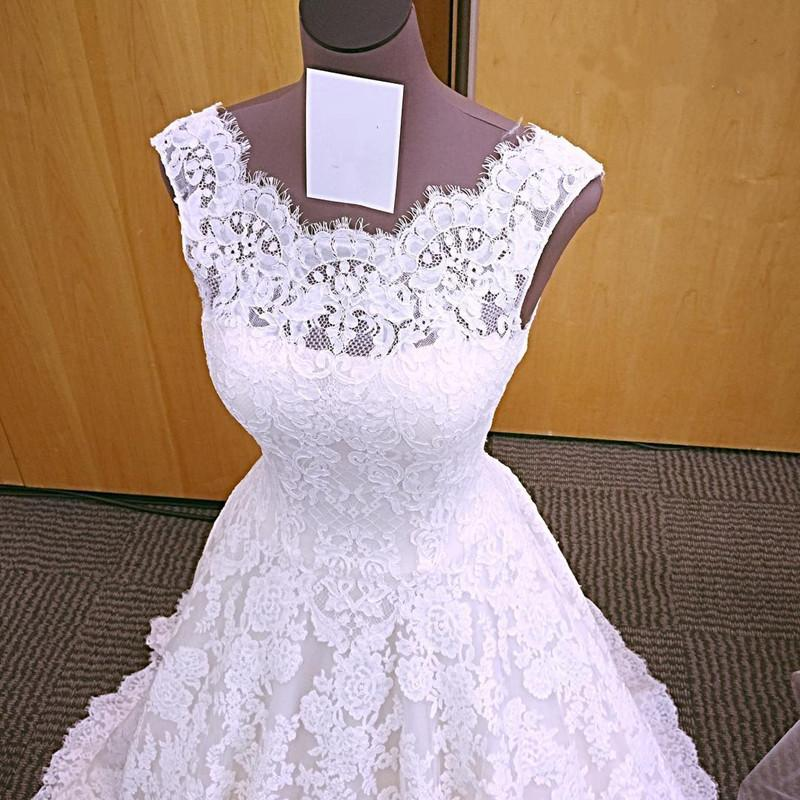 wedding dresses lace with sleeves photo - 1