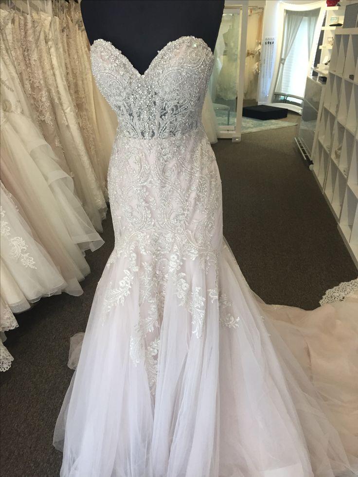 wedding dresses on mannequins photo - 1