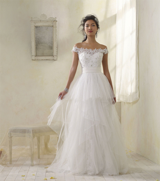 wedding dresses pre owned photo - 1