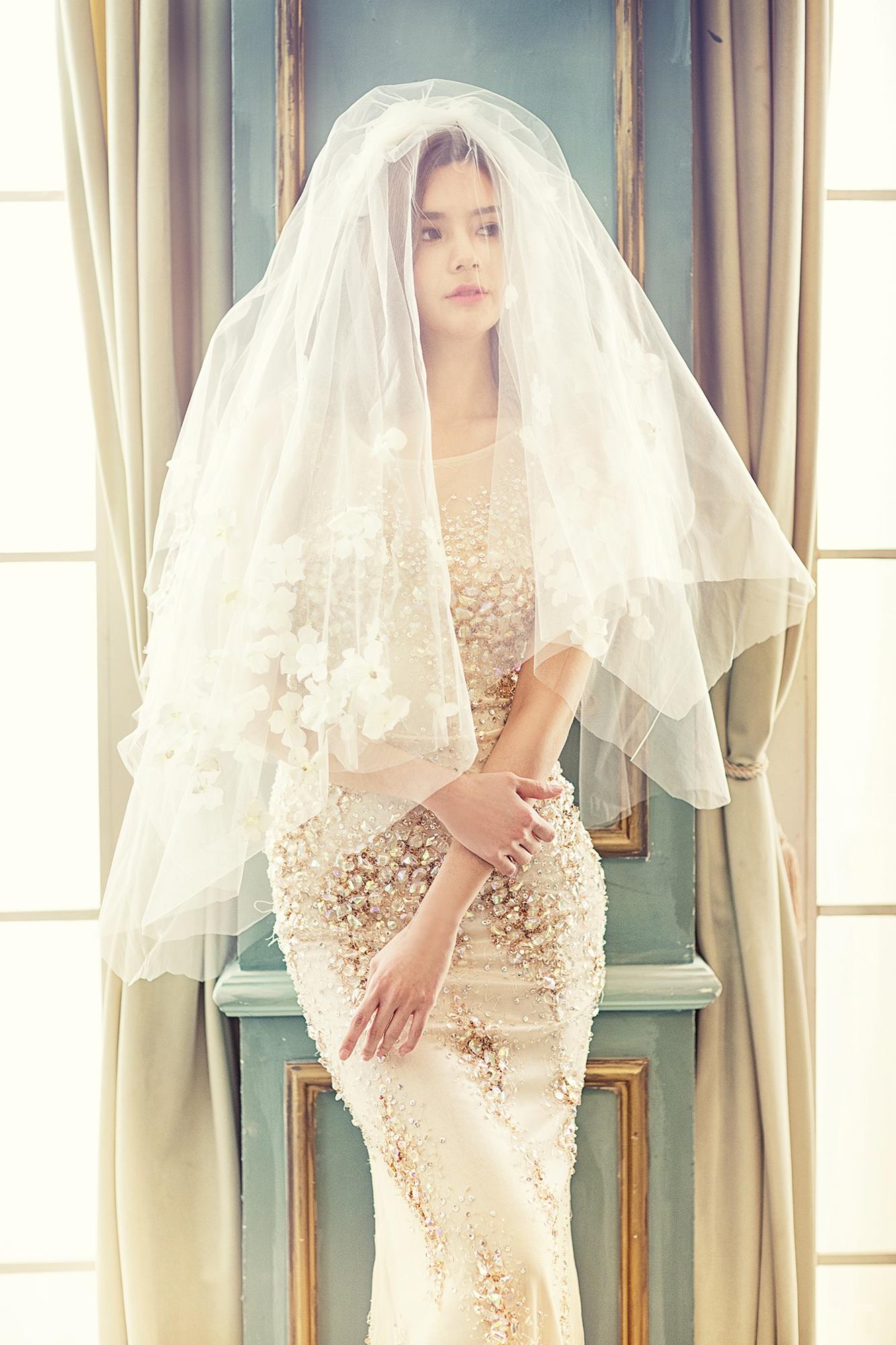 wedding dresses woman photo - 1