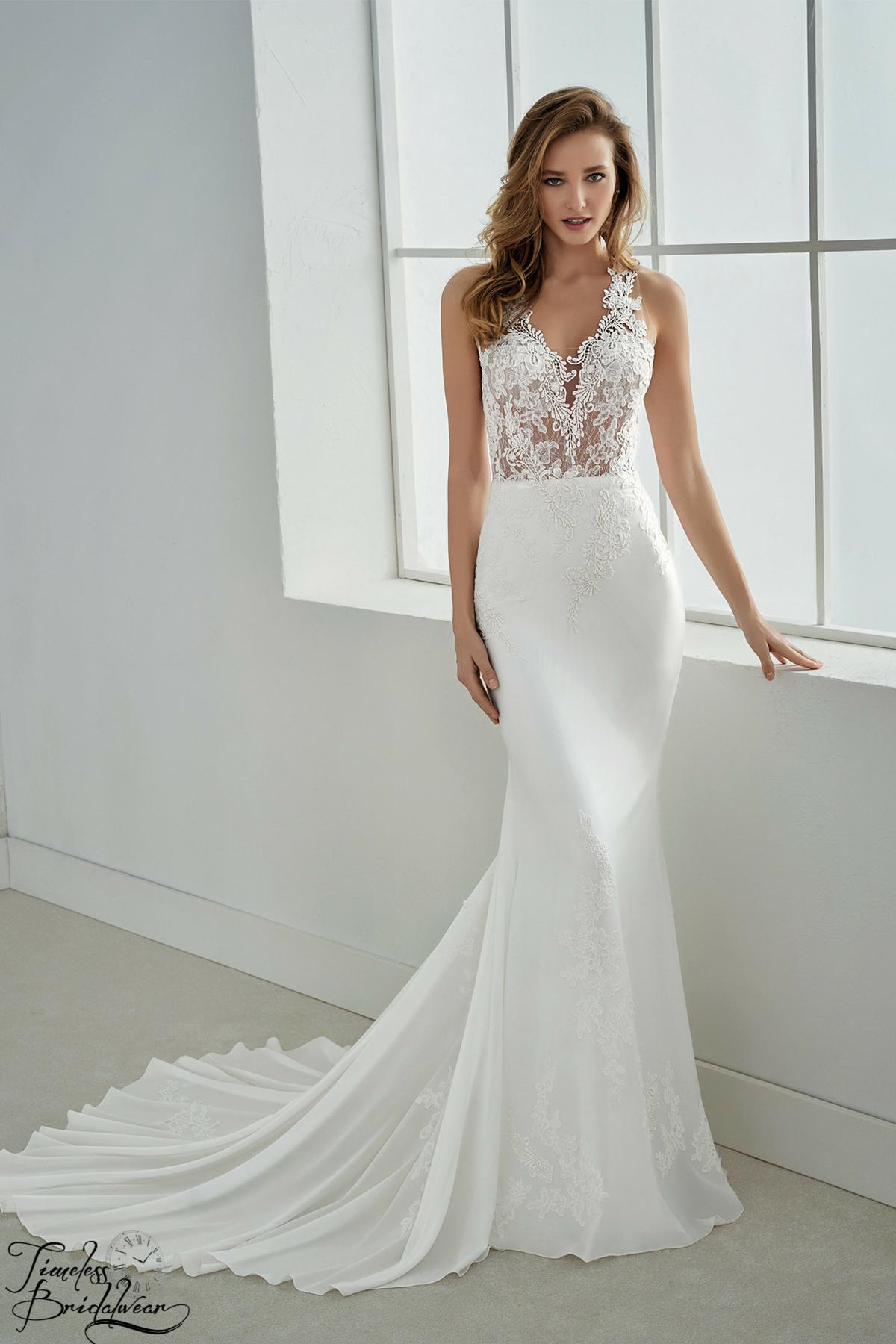 white flowy beach wedding dresses photo - 1