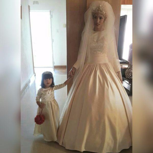 worn once wedding dresses photo - 1
